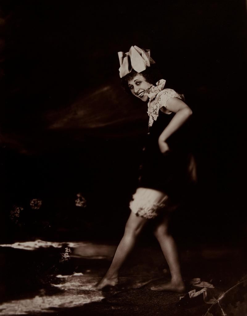 Date: 1920, Title: Nan Haperin, Photographer: Orval Hixon,