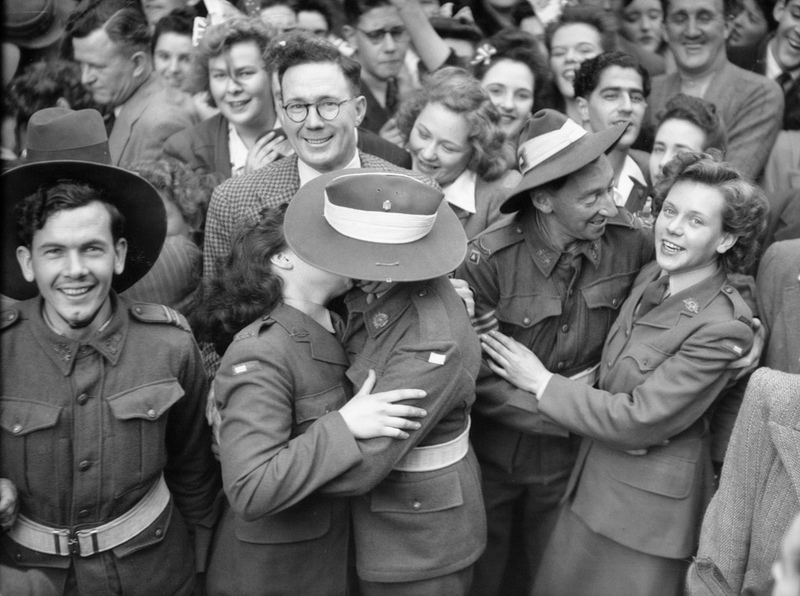 Date: 15 August 1945, Location: Martin Place, Sydney, Australia. Photographer: Unknown